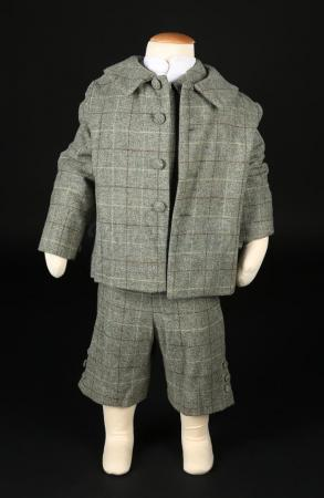 Lot # 197 - WOMAN IN BLACK, THE - Joseph Kipps' (Misha Handley) Costume