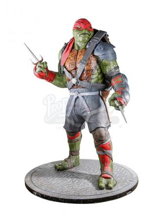 Lot #830 - TEENAGE MUTANT NINJA TURTLES: OUT OF THE SHADOWS (2016) - Life-Size Raphael Statue