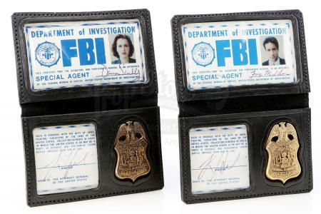 Lot #897 - THE X-FILES (TV SERIES, 1993 - 2002) - Fox Mulder's (David Duchovny) and Dana Scully's (Gillian Anderson) FBI Badges
