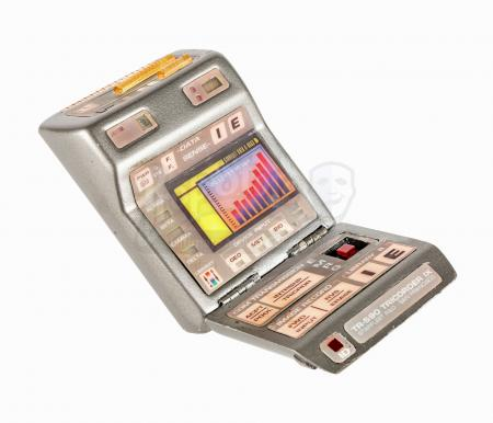 Lot #661 - STAR TREK: VOYAGER (TV SERIES 1995-2001) - Light-Up TR-590 Tricorder IX