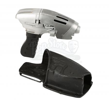 Lot #664 - STAR TREK: ENTERPRISE (TV SERIES 2001-2005) - Starfleet Phase Pistol and Holster