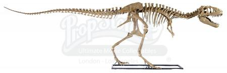 Lot #474 - JURASSIC WORLD: FALLEN KINGDOM (2018) - Diorama Room 23-foot Teratophoneus Skeleton