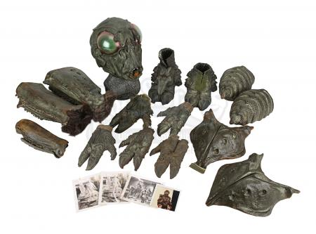 Lot #107 - BATTLESTAR GALACTICA (TV SERIES, 1978-1979) - Ovion Mask and Costume Pieces