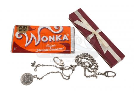 Lot #162 - CHARLIE AND THE CHOCOLATE FACTORY (2005) - Triple Dazzle Caramel Wonka Bar and Chain Crew Gift