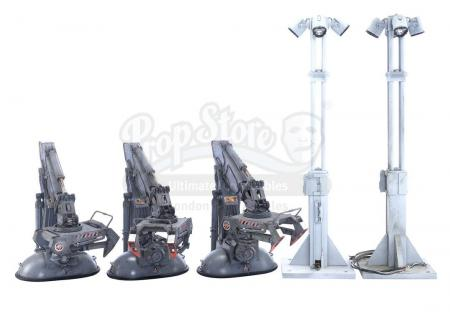 Lot #508 - MOON (2009) - Set of Two Floodlight and Three Crane Model Miniatures