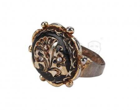 Lot #556 - PIRATES OF THE CARIBBEAN: ON STRANGER TIDES (2011) - Captain Jack Sparrow's (Johnny Depp) Spanish Flower Ring